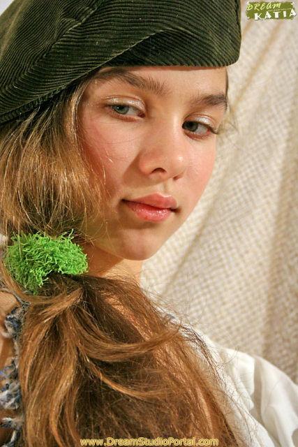 Preteen Russian Child Model: Russian Preteen Fashion Model Russian Preteen Fashion